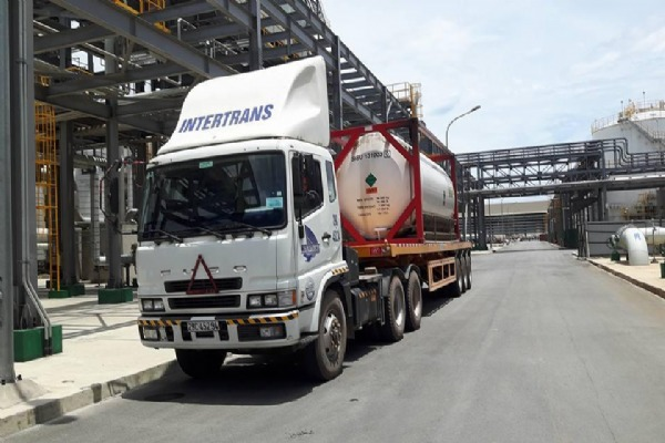 Delivery 20'ft container tank of Aragon gas at Formosa Ha Tinh